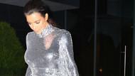 Kim Kardashian kıyafetiyle dalga konusu oldu
