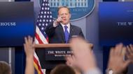 Beyaz Saray Sözcüsü Spicer: Flynn'in istifasını Trump istedi