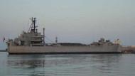 Son dakika: İzmir'de askeri gemide yangın!