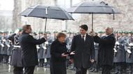 Merkel ve Trudeau'nun bu hali olay oldu!