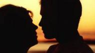 Ünlü futbolcunun karısı, genç işadamıyla yasak aşk yaşıyor