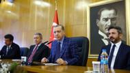 Erdoğan Hulusi Akar'ı neden sağ tarafına oturttu?