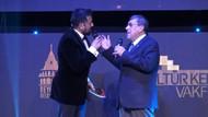 Türk tiyatrosunun duayenlerine onur ödülü