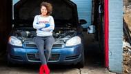 Kadınlara özel oto tamircisi