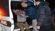 Polis aracını önce taşladı ardından kafa atarak camını kırdı