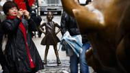 Wall Street'in bronz boğasına karşı 'korkusuz kız' heykeli