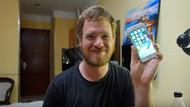 Çin'den aldığı parçalarla kendi iPhone'unu yaptı!