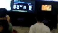 Havaalanı ekranında porno film şoku