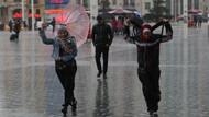 Son dakika: Meteoroloji uyarmıştı! İstanbul'da dolu yağdı