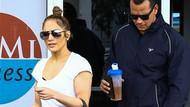 Jennifer Lopez öyle bir kıyafetle sokağa çıktı ki...