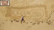Serhat Akın'dan romantik kutlama! Adını kumlara yazdı