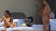 Kardashian kardeşlerin bikini şovu