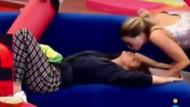 Aly Eckmann kadın yarışmacıyı dudağından öptü