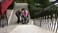 Engelli kadın için apartmana yapılacak rampaya komşu engeli
