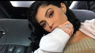 Kylie Jenner'in dikkat çeken dekoltesi