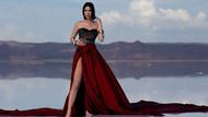 Tuğba Özerk yeni şarkısına Tuz Gölü'nde klip çekti
