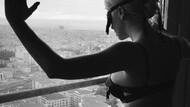Jelena Karleusa'dan fantezi iç çamaşırlı paylaşım