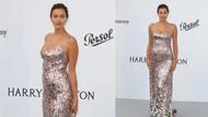 Irina Shayk ışıltılı elbisesiyle tartışma yarattı