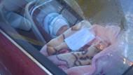 Aracın içinde bir bebek ve üzerindeki not herkesi çıldırttı