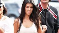 Kim Kardashian ve Kourtney Kardashian sütyen giymeyince çekimler gecikti