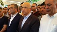 Enis Berberoğlu cezaevinden çıkıp cenazeye katıldı