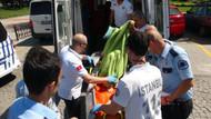 Köprüden atlayan genç kızı tur teknesi çalışanları kurtardı