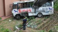 Halk otobüsü site bahçesine uçtu: 9 yaralı