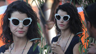 Bikinili fotoğraflarının çekilmesi Beren Saat'i kızdırdı