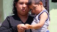 3 yaşındaki Vahit kendisine zarar vermesin diye nöbet tutuyorlar