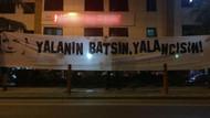 Trabzon Kulüp Başkanı Muharrem Usta'yı protesto etmek için asılan pankart tepki topladı