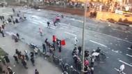 Almanya'da sokaklar savaş alanına dönerken, yaprak sarma yapan teyzeler