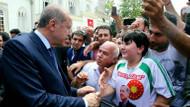 Cumhurbaşkanı Erdoğan'ı gören telefona sarıldı