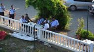 Karısına kızıp köprüye çıktı, Kafedekiler çay içerek izlediler