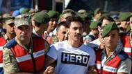 Hero tişörtünü böyle savundu: Mahkeme başkanı tepki gösterdi