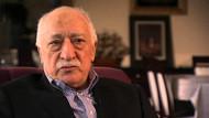 Gizli kasalardan Fethullah Gülen yazılı saatler çıktı