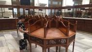 PTT'den Sirkeci'deki tarihi masa açıklaması