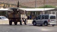 Hatay  Cilvegözü Sınır Kapısı'nda Askeri araçlar aralıklarla geçiş yapıyor