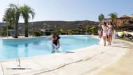 İspanya Güzellik Yarışması'nda manken havuza düştü