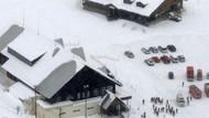 Japonya'da volkan patladı, çığı tetikledi: Yaralılar var