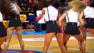 Rus ponpon kızlarının nefes kesen şovu