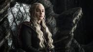 Brad Pitt Emilia Clarke ile Game of Thrones izlemek için 120 bin dolar verecekti