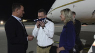 Brunson Almanya'ya iner inmez ABD bayrağını öptü