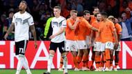 Hollanda, Almanya'yı üç golle geçti