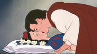Kristen Bell'den Pamuk Prenses masalına eleştiri: Uyuyan bir kadını...