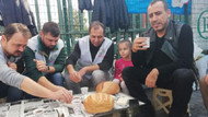 Haluk Levent, işten çıkarılan Cargill işçileriyle kahvaltı yaptı