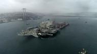 Dünyanın en büyük gemisi Pioneering Spirit İstanbul Boğazından geçti