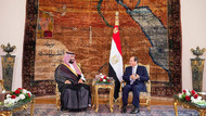 Muhammed bin Selman'ın Mısır ziyaretinde bayrak krizi