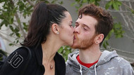 Adriana Lima ve Metin Hara dudak dudağa