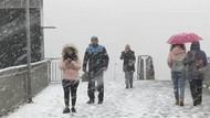 Son dakika: İstanbul'da lapa lapa kar yağışı vatandaşları şaşırttı