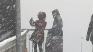 İstanbul Beylikdüzü'nde lapa lapa kar yağıyor